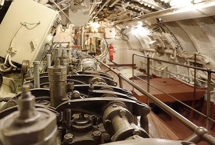 Двигатель подводной лодки.