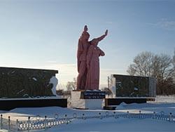 с. Дмитриевка Бородулихинского р-на. Мемориал воинам, погибшим в годы Великой Отечественной войны, установленный в 1970 году.