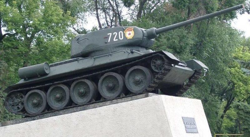 г. Бельцы. Мемориальный знак «Воинам освободителям»