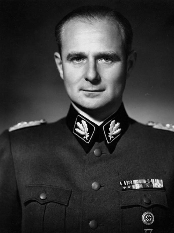 Карл Вольф. Фото 1937 г.