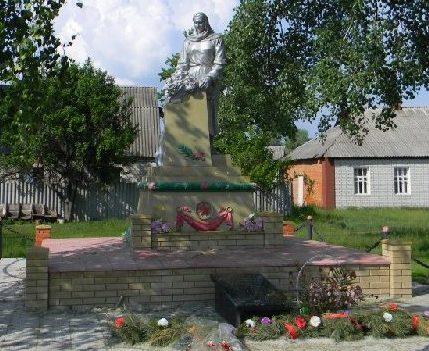 с. Черкасские Тишки Харьковского р-на. Памятник установлен на братской могиле, в которой похоронено 12 воинов, погибших при освобождении села 11 августа 1943 г.