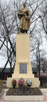 п. Большая Рогань Харьковского р-на. Братская могила советских воинов
