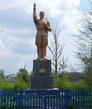 с. Гроза Шевченковского р-на. Памятник в центре села, установлен на братской могиле, в которой похоронено 30 воинов, погибших в боях в годы войны