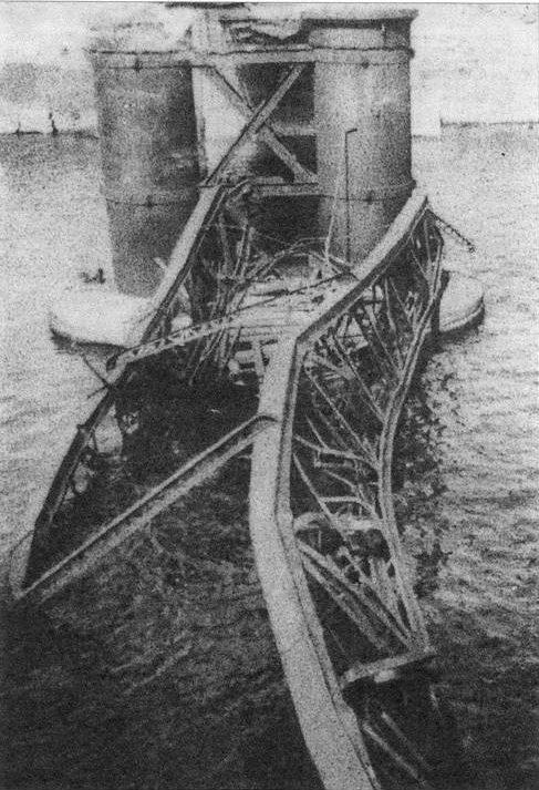 Мост Сан-Эльмо, взорванный итальянскими диверсантами