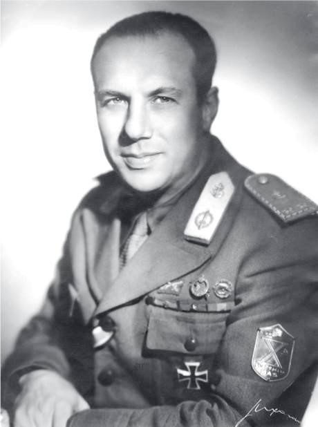 Князь Валерио Боргезе (Valerio Borghese), один из командиров Х-й флотилии
