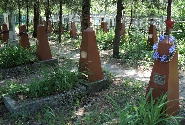 г. Бельцы. 29 обелисков, установленных на кладбище по ул. Гагарина, под которыми покоятся воины, погибшие во время освобождения Бельц