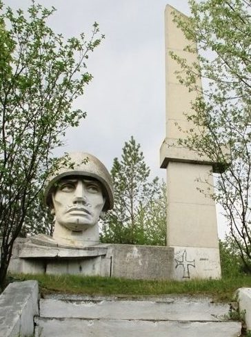 с. Брынзень Единецкого р-на. Мемориал воинам, погибшим в годы Великой Отечественной войны
