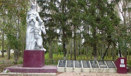 с. Покровка Дондюшанского р-на. Памятник советским солдатам, погибшим при освобождении села