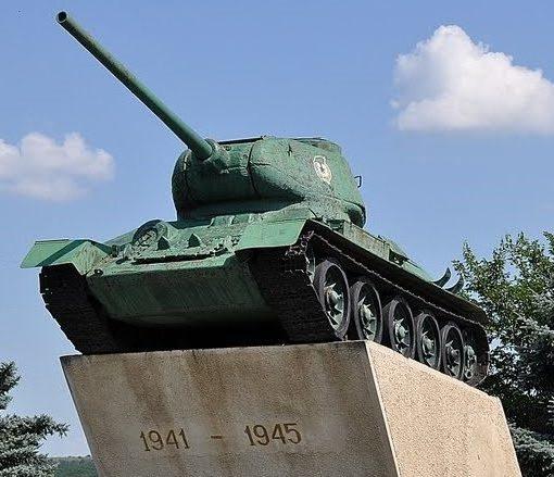 г. Кагул. Памятник в честь погибших в Великой Отечественной войне