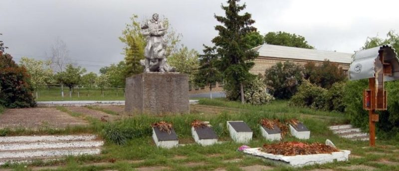 с. Григорьевка Каушанского р-на. Общий вид мемориала