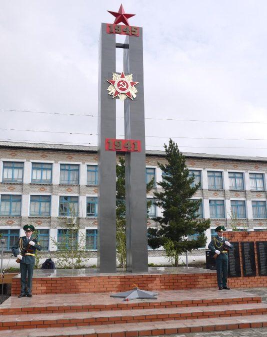 с. Пресновка Жамбылского р-на. Монумент Славы, высотой более 10 м, был открыт в 2015 году в парке Победы.