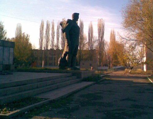 . Гродеково Жамбылский района. Памятник воинам, погибшим в годы Великой Отечественной войны.