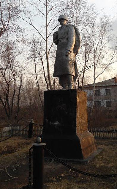 . Подгорное Кызылжарского р-на. Памятник воинам, павшим в годы Великой Отечественной войны.
