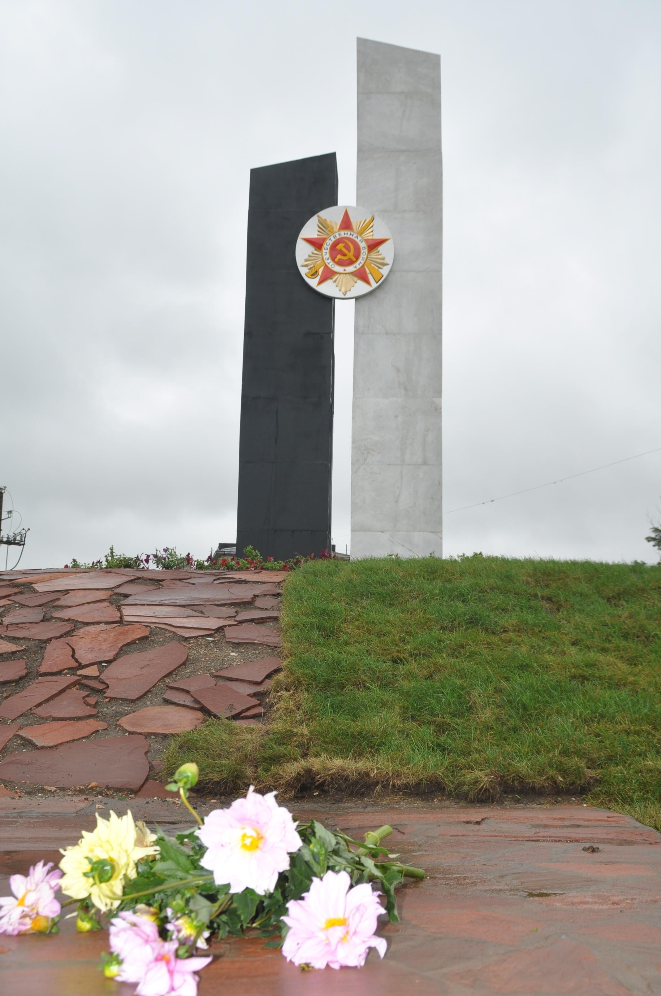 г. Караганда. Памятник Победы на площади Независимости, открытый в 2014 году.