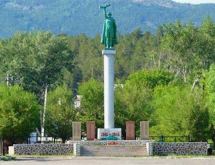 п. Баянаул. Мемориал «Победа» в поселковом парке культуры и отдыха.