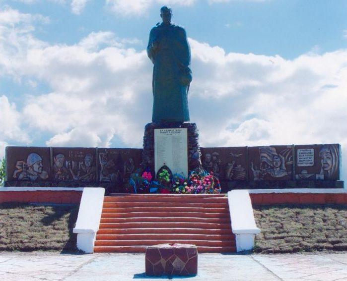 с. Талшик Акжарского р-на. Памятник воинам, павшим в годы Великой Отечественной войны.