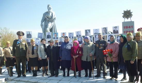с. Каратомар Аккайынского р-на. Памятник воинам, павшим в годы Великой Отечественной войны.