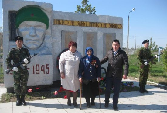 с. Полтавка Аккайынского р-на. Памятник воинам-землякам, не вернувшимся с войны.