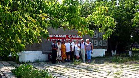 с. Бурли Карабалыкского р-на. Обелиск воинам – бурлинцам, погибшим в годы войны, установлен в 1975 году.