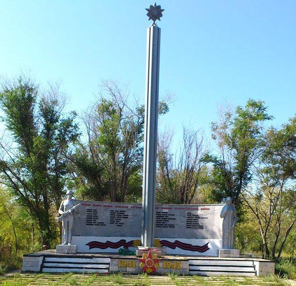 с. Березовка Качирского р-на. Мемориал воинам, погибшим в годы Великой Отечественной войны.