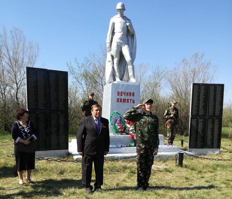 с.Чириковка Есильского р-на. Памятник воинам, павшим в годы Великой Отечественной войны.