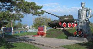 с. Казанка Жамбылского р-на. Памятник воинам, павшим в годы Великой Отечественной войны.