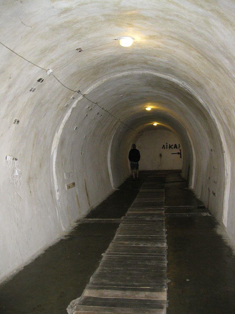 Тоннели бункера