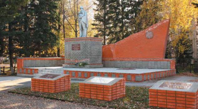с. Красногорское. Общий вид монумента.