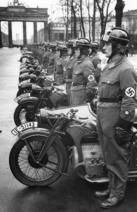 Парад. Берлин. 1937 г.