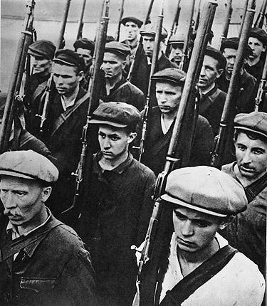 Бойцы народного ополчения. Июнь, 1941 г.