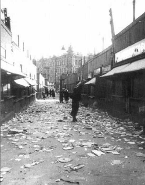 Разграбленный Сенной рынок 18-19 сентября. 1941 г.