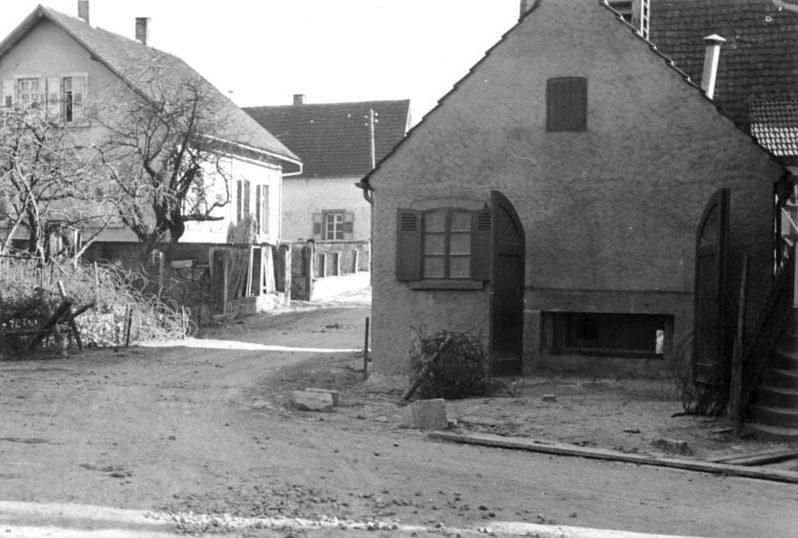 ДОТ, замаскированный под жилой дом. Штайнфельд. Март, 1940 г.