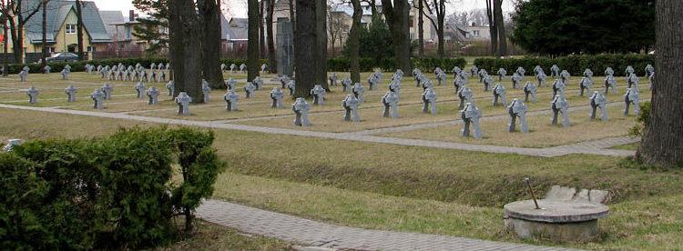 Могилы литовских солдат.