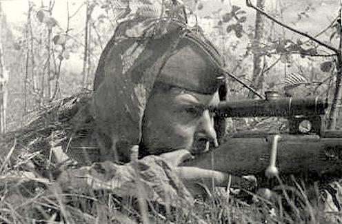 Ивасик Михаил Адамович на позиции. Одержал 320 побед.