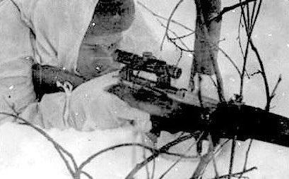 Сержант Ф.Пехов на огневой позиции. Калининский фронт. 1942 г.