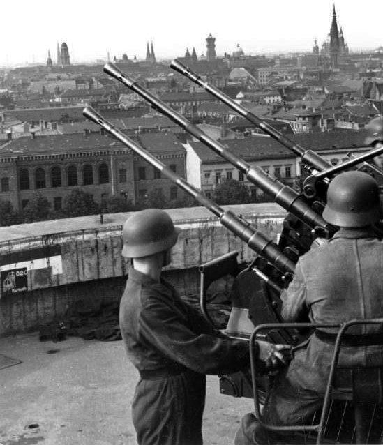 Малокалиберная зенитная артиллерия башни.