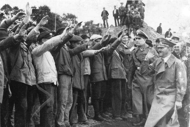 А. Гитлер на строительстве Западного вала в октябре 1938 г.