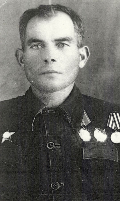 Идрисов Абухажи одержал 349 побед.