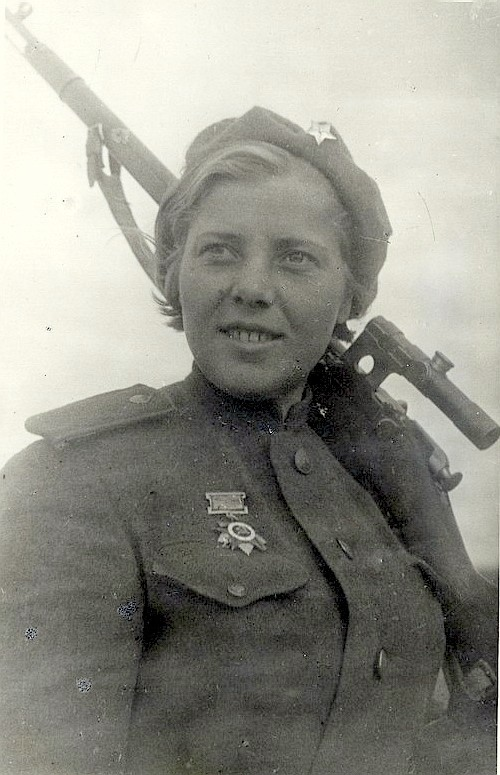 Ферапонтова Антонина Александровна одержала 51 победа.