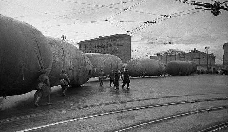 Калужская площадь. Осень, 1941 г.