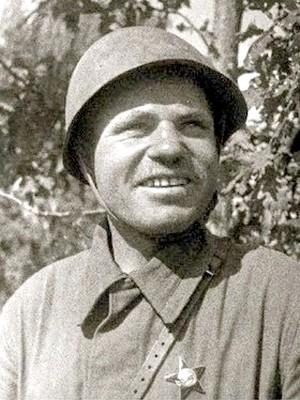 Попов Тимофей Лаврентьевич одержал 235 побед.