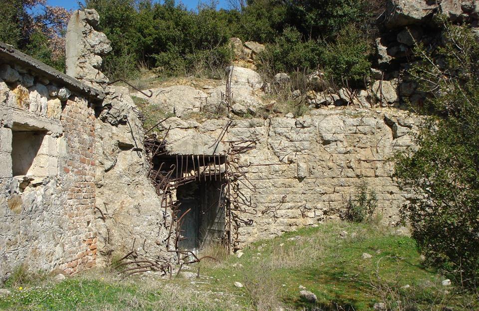 Запасной выход форта.