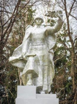с. Красный Яр Советского р-на. Памятник воинам, погибшим в годы войны.