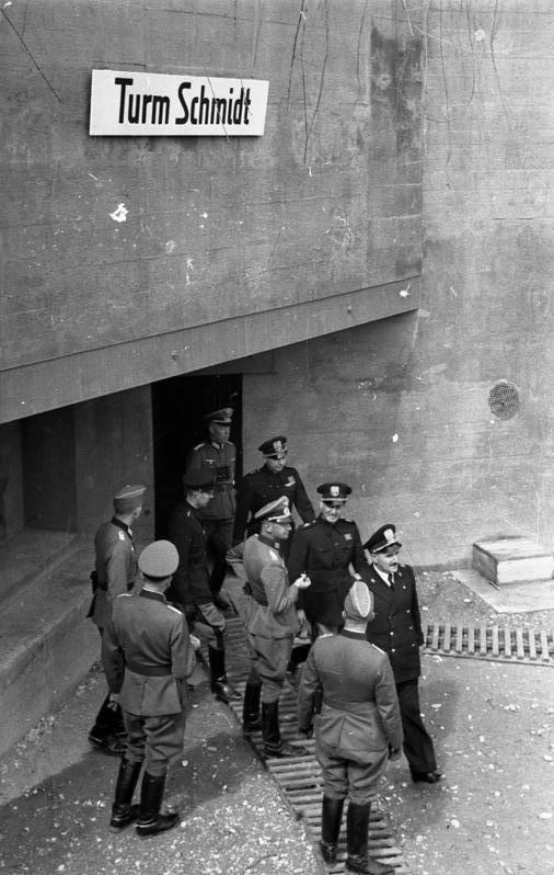 Инспекция командованием укреплений линии Зигфрида. Верхний Рейн. 1940 г.