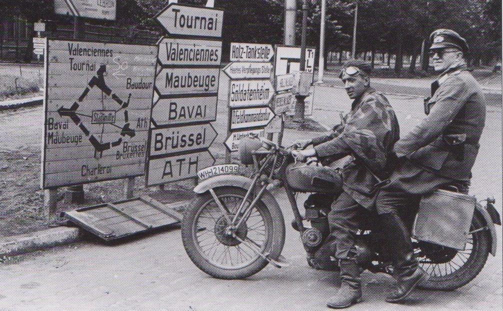 Немецкие офицеры. Бельгия. 1940 г.