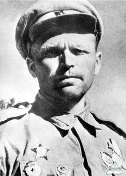 Гончаров Пётр Алексеевич одержал 400 побед.