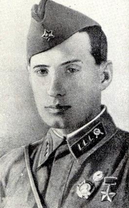Пчелинцев Владимир Николаевич одержал 152 победы.