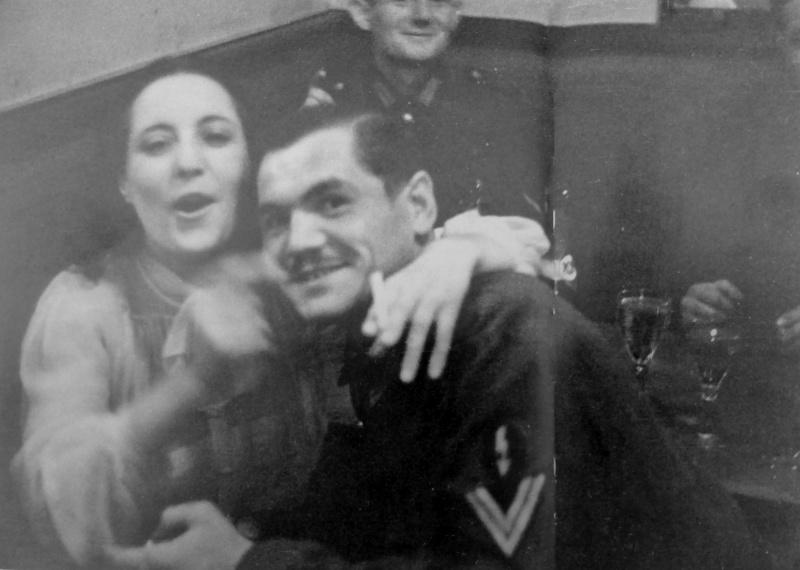 Солдатский бордель в Париже. 1941 г.
