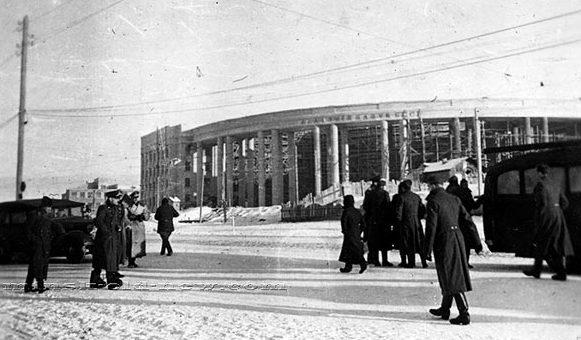 Здание Академии наук БССР. Зима, 1942 г.