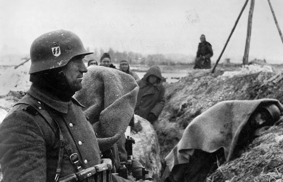 В окопах зимой. Эстония.1944.